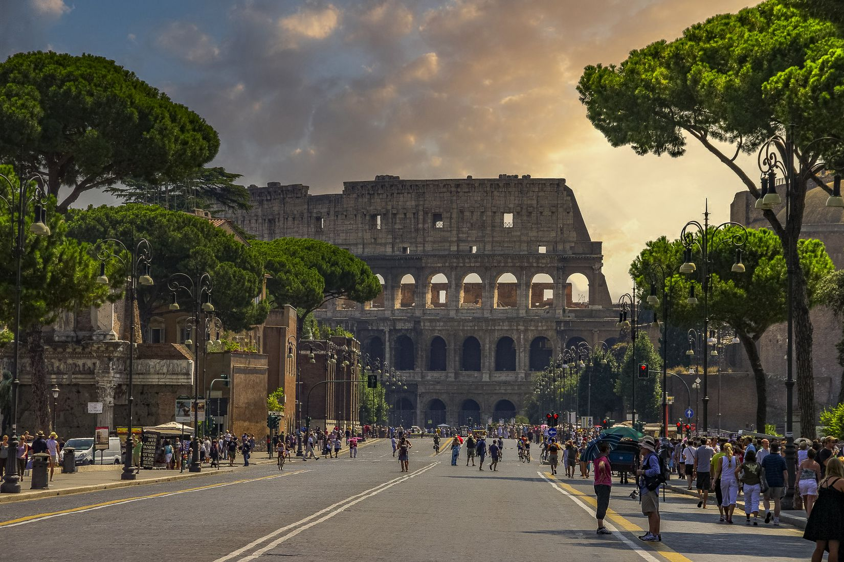 Street to the Colosseum, Rome